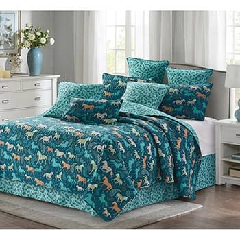 Horses Free Printed Quilt Set